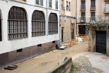 Las obras de asfaltado y aceras en las calles de la ciudad prosiguen a pesar de la climatología adversa