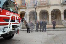 El Parque de Bomberos cuenta desde hoy con un nuevo camión autobomba fruto del convenio firmado entre Ayuntamiento de Soria y Diputación Provincial en 2009