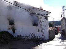 Los Bomberos del Ayuntamiento de Soria sofocan un incendio en Villar de Maya a pesar de no estar firmado el convenio con Diputación