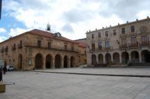 El Pleno Extraordinario del Ayuntamiento de Soria entregará los reconocimientos al Numancia, a la ciudad de Zaragoza, a Julián Marías y a García Gallo