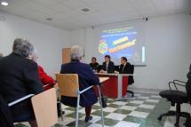La Policía Nacional ofrece una charla sobre seguridad a las Aulas de la Tercera Edad en el Centro Municipal Polivalente de la Presentación