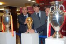 Los sorianos disfrutan de los tres trofeos conquistados por la selección absoluta en Viena, Kiev y Sudáfrica