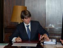 Carlos Martínez presenta el borrador del presupuesto 2013 con más del 56% de los 49,2 millones destinados a empleo e inversión
