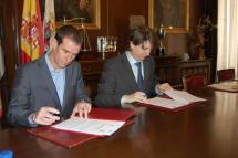 El Ayuntamiento de Soria rubrica su convenio de colaboración con la Federación de Triatlón para albergar el Nacional por equipos