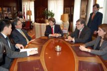 Carlos Martínez y el embajador de China establecen las bases de acuerdos empresariales, culturales y académicos