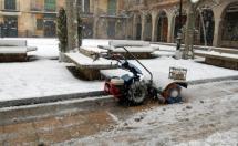 El Ayuntamiento mantiene el plan de nieve alerta y sólo sigue cortado el acceso norte al Castillo